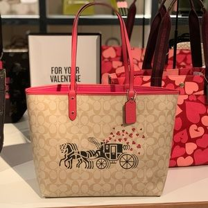 Coach city Tote heart